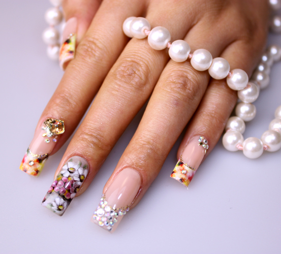 Nail Art Tutorial: Floral Manicure