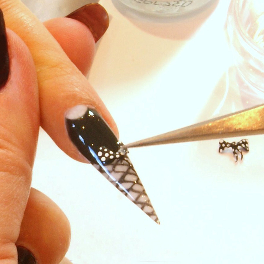 Nail Art Tutorial: Beginner Sculpted Bows
