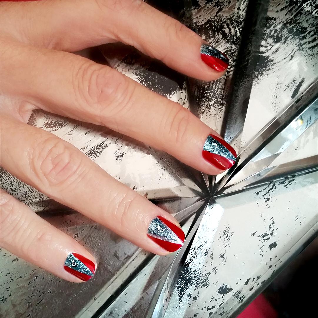 Nail Art Tutorial: Minnie Driver