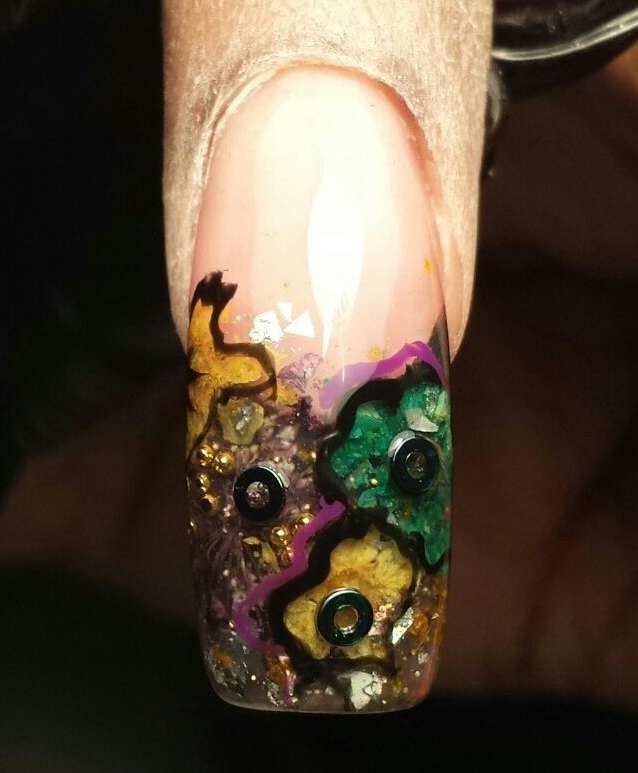 Nail Art Tutorial: Floral French