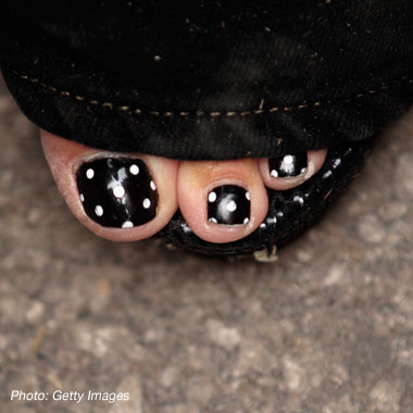 Sarah Palin Sports Polka Dotted Toes