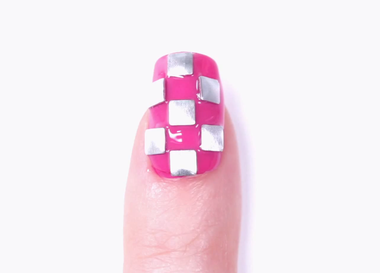 Nail Art Tutorial: Gwen For OPI Checkerboard Studs