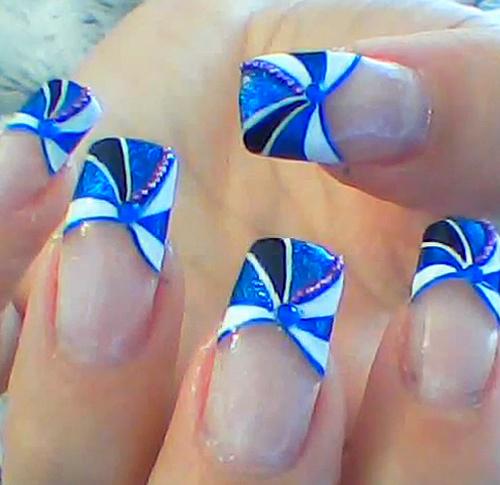 Nail Art How To: Blue Pinwheel Nails