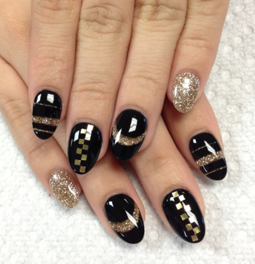 Nail Art How To: Sparkling Gold and Black
