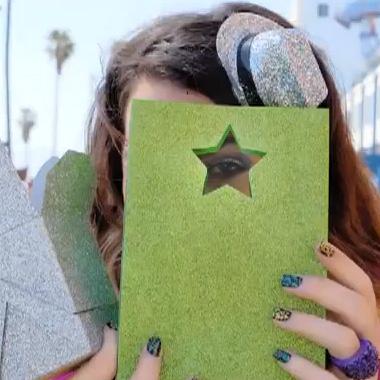 Summer Nail Polish Trends VIDEO: Flash Glam