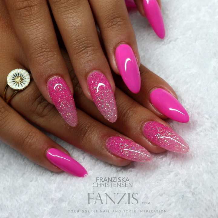 Nail Art Tutorial Pink Glitter Gradient