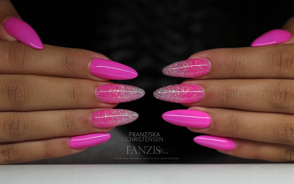 Nail Art Tutorial: Pink Glitter Gradient