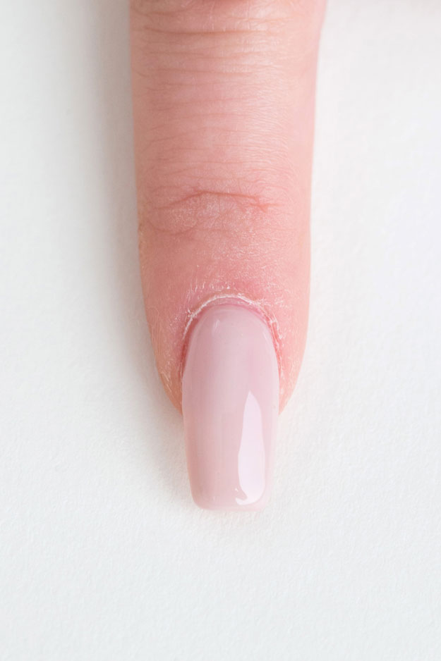 What is the best artificial nail glue