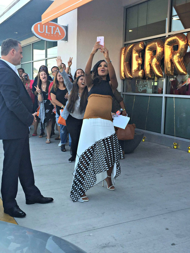 "Kerry Washington taking a group selfie with fans at the ULTA meet and greet. | Kerry Washington x OPI Launch ""Washington DC"" Lacquer Collection; see it at  http://www.nailitmag.com/kerry-washington-opi"