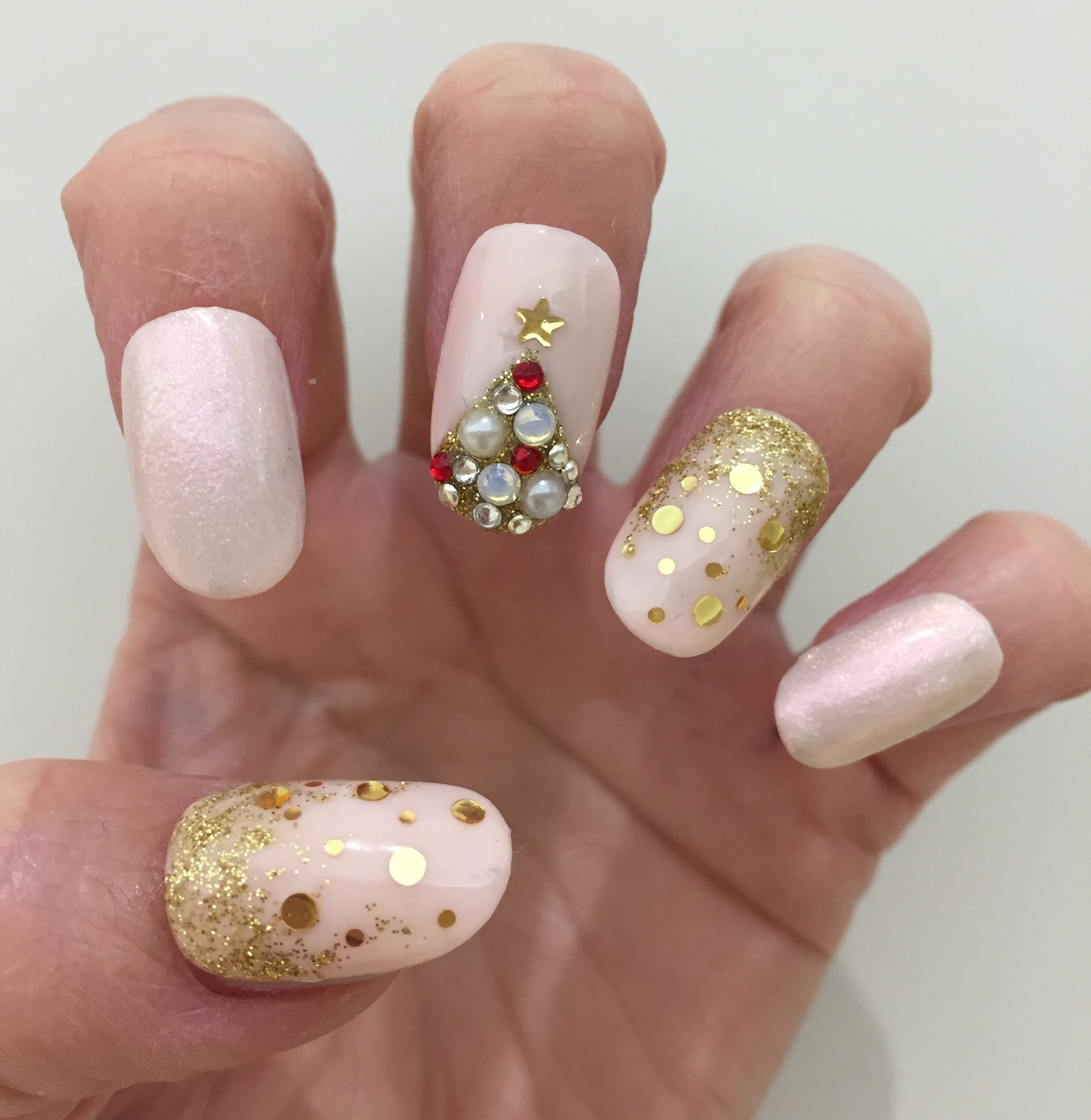 Nail Art How-To: Pink and Gold Embellished Christmas Tree