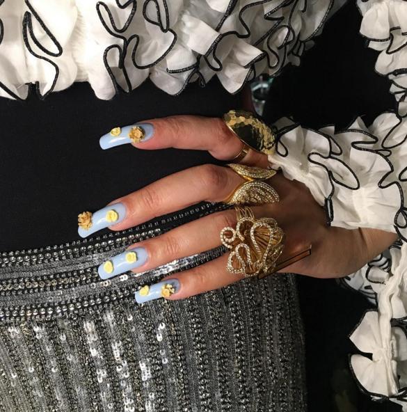 beyonce nails 2017 - photo #21