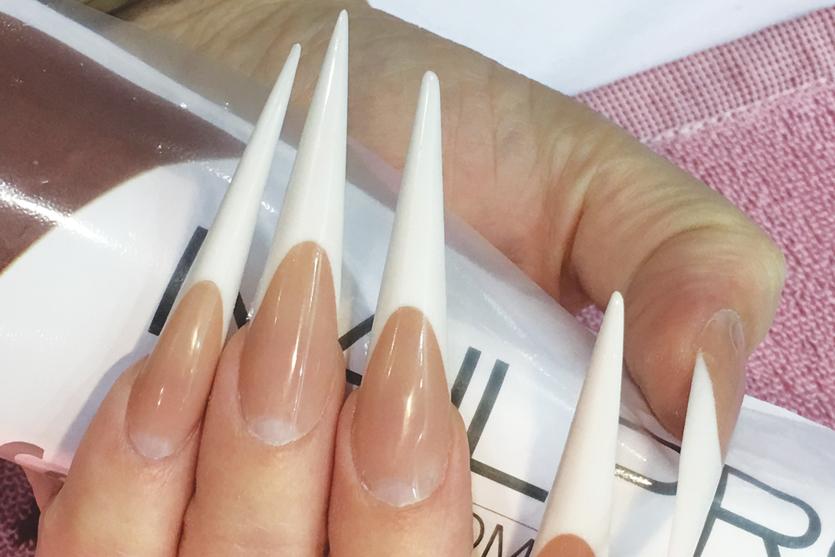 Iryna Gross nail art