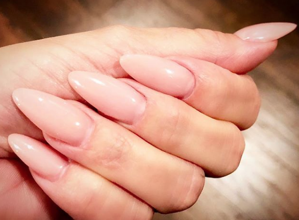 2017 Brought Back Reverse Nail Forms And Introduced Techniques That Simplified The Process Of Creating Hard Gel Extensions Without Need Or
